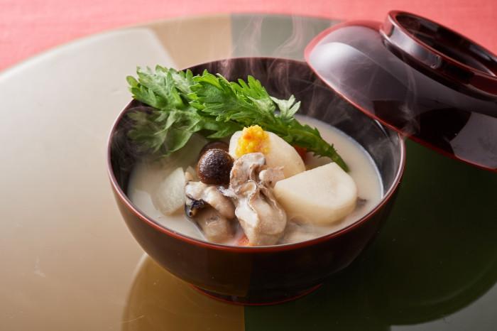 牡蠣のミルク鍋